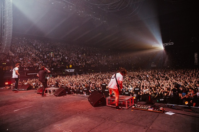 bmth live