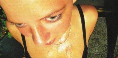 Around the Fur Albumcover Frau